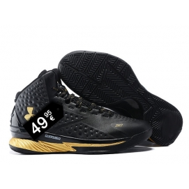 Zapatillas UA Curry One Negro y Dorado