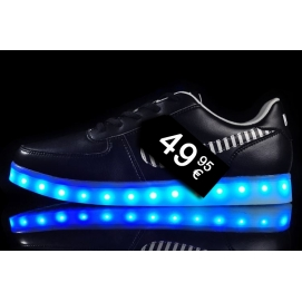 Zapatillas NK LED - Negro (Logo a Rayas)