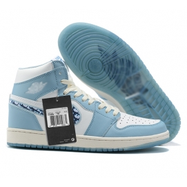Zapatillas NK Air Jordan 1 Mid Celestes Estampadas